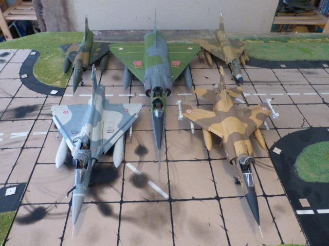 Mirage IV 1:32 en bois et carton P1020637