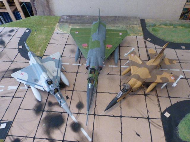 Mirage IV 1:32 en bois et carton P1020638