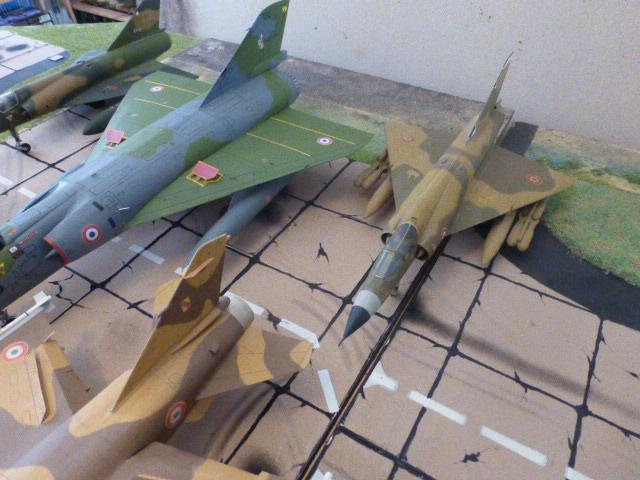 Mirage IV 1:32 en bois et carton P1020639