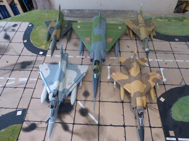 Mirage IV 1:32 en bois et carton P1020642