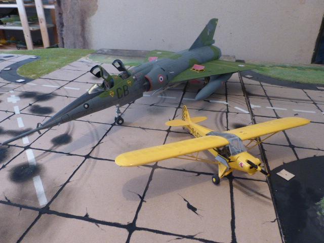 Mirage IV 1:32 en bois et carton P1020644