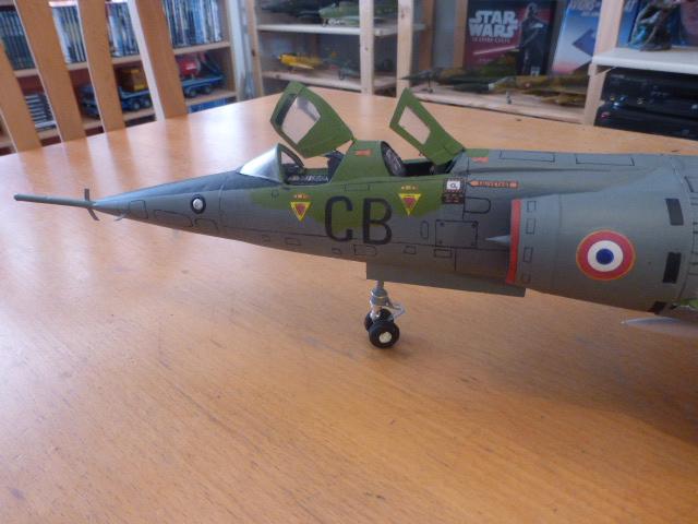Mirage IV 1:32 en bois et carton P1020648