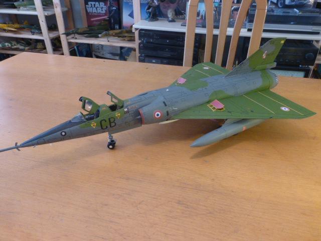 Mirage IV 1:32 en bois et carton P1020649