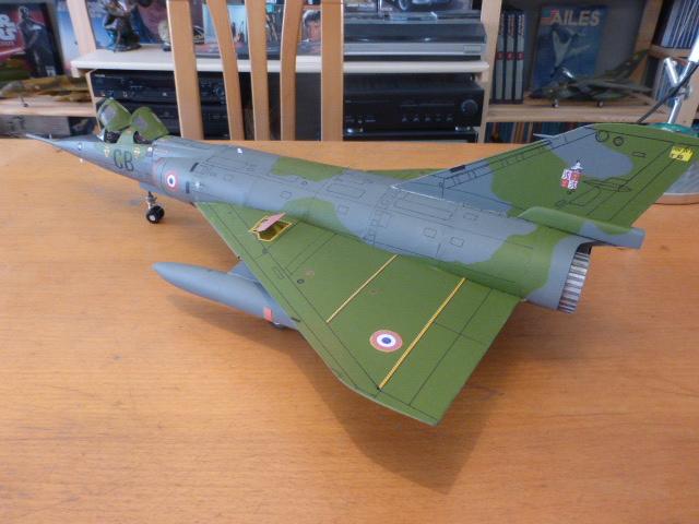 Mirage IV 1:32 en bois et carton P1020651