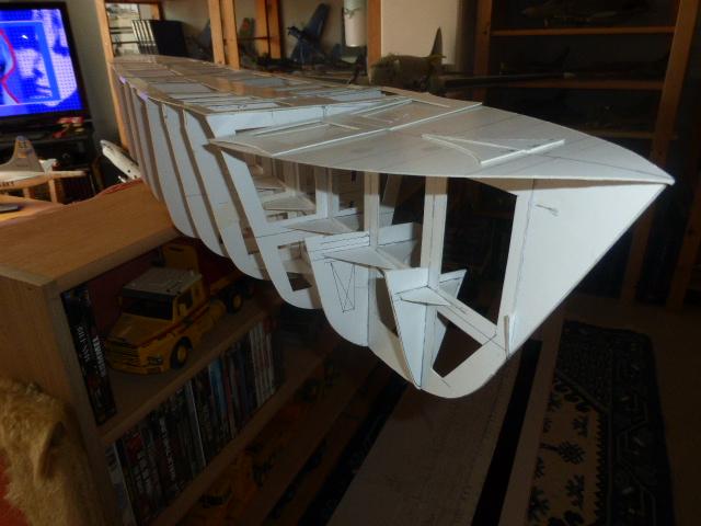 Paquebot MS Astoria au /100 ème modèle en bois et carton  P1020655