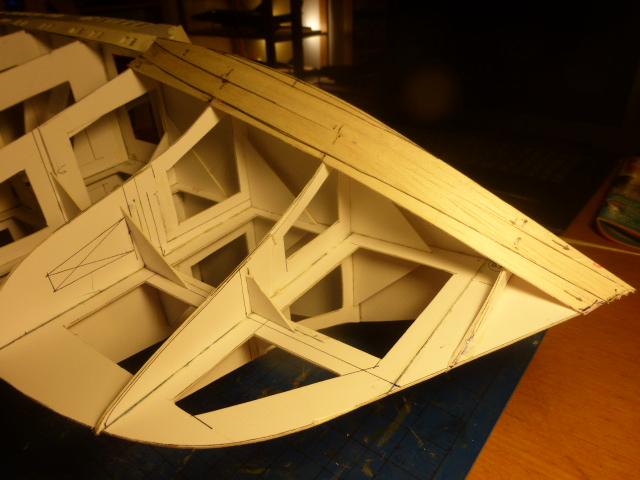 Paquebot MS Astoria au /100 ème modèle en bois et carton  P1020710