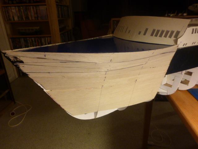 Paquebot MS Astoria au /100 ème modèle en bois et carton  P1020711