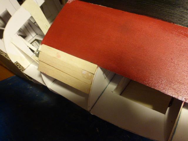 Paquebot MS Astoria au /100 ème modèle en bois et carton  P1020712