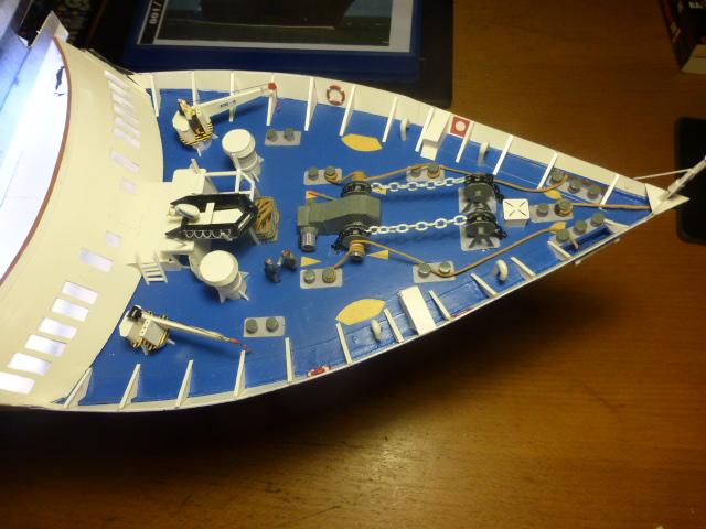 Paquebot MS Astoria au /100 ème modèle en bois et carton  P1020814