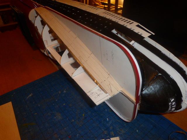 Paquebot MS Astoria au /100 ème modèle en bois et carton  P1020820