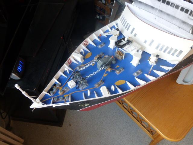 Paquebot MS Astoria au /100 ème modèle en bois et carton  P1020823