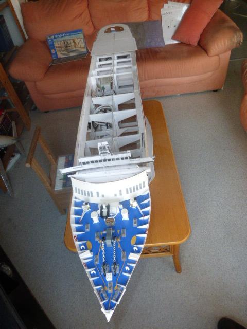 Paquebot MS Astoria au /100 ème modèle en bois et carton  P1020825
