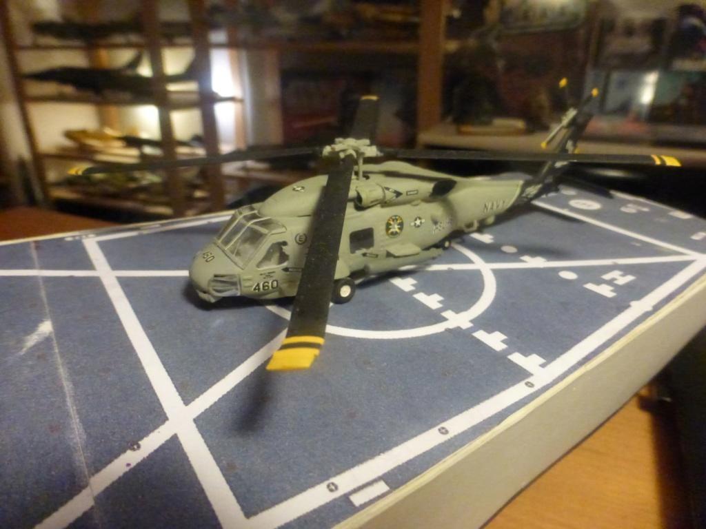 Frégate US Navy FFG... en bois et carton ech 1/100 P1030154
