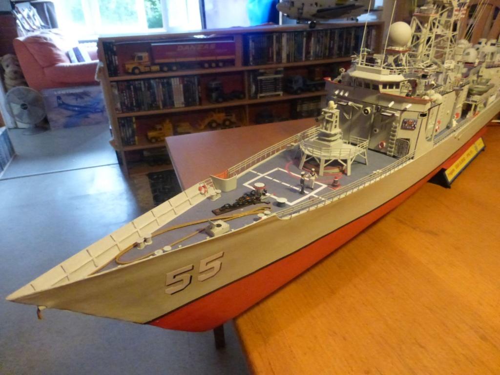 Fregate USS Elrod FFG55 P1030175