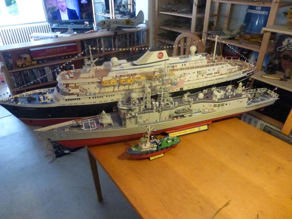 Fregate USS Elrod FFG55 P1030176