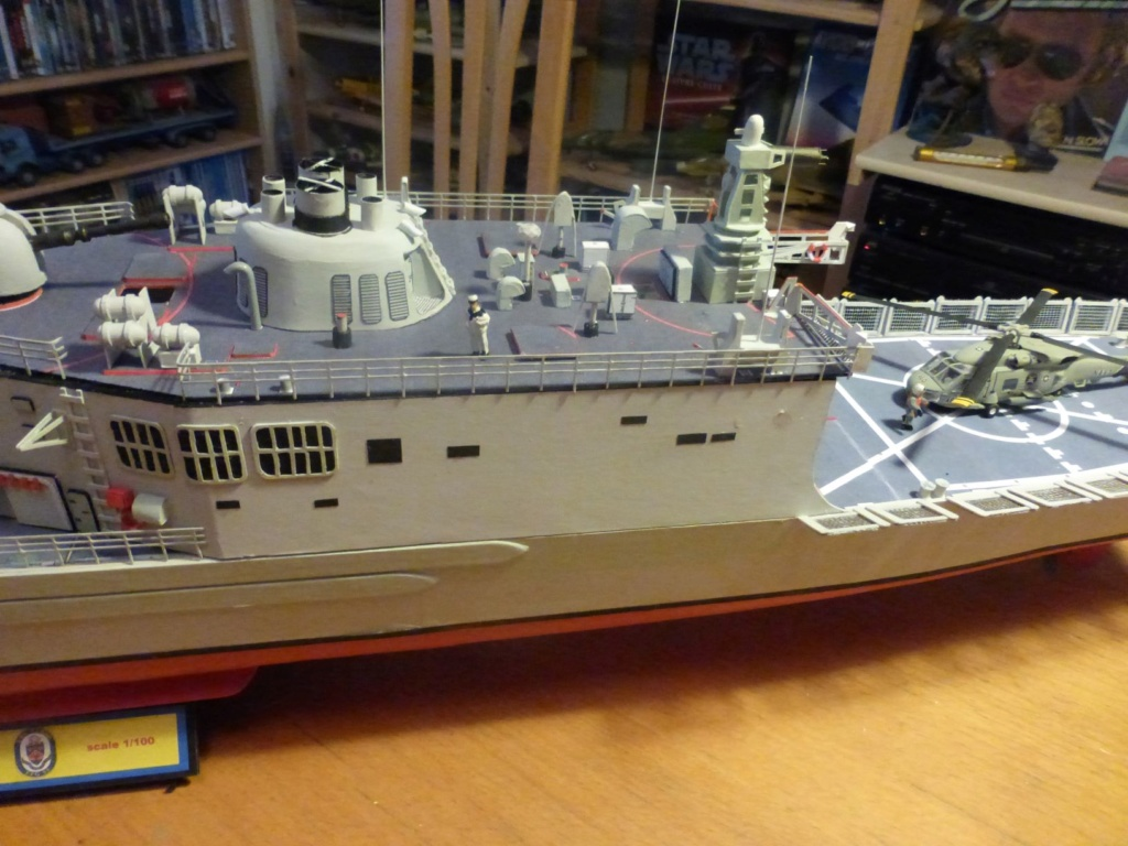 Fregate USS Elrod FFG55 P1030178