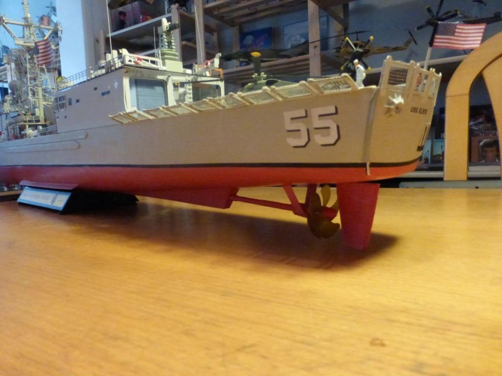 Fregate USS Elrod FFG55 P1030185