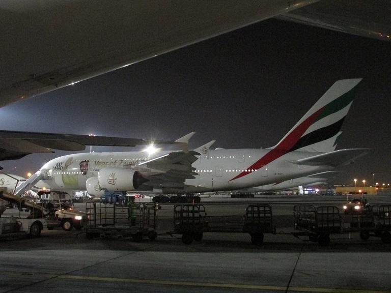 [Emirates] Airbus A380 Img_0418