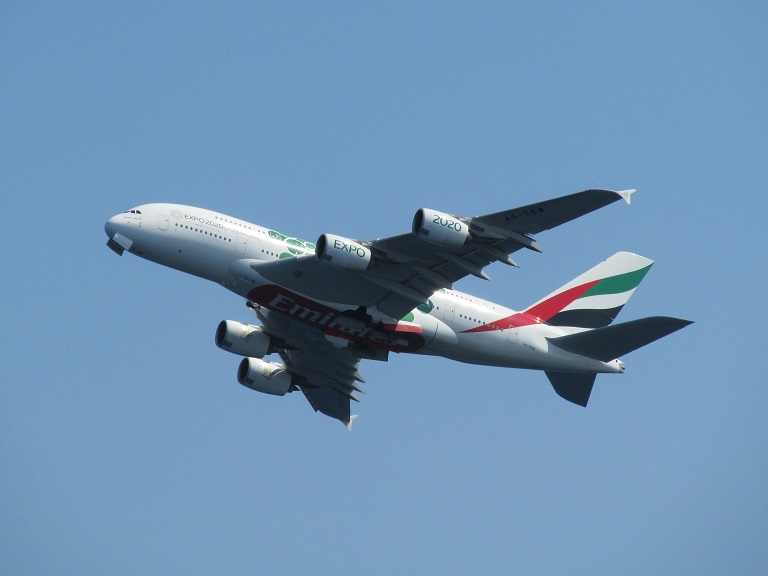[Emirates] Airbus A380 Img_9332