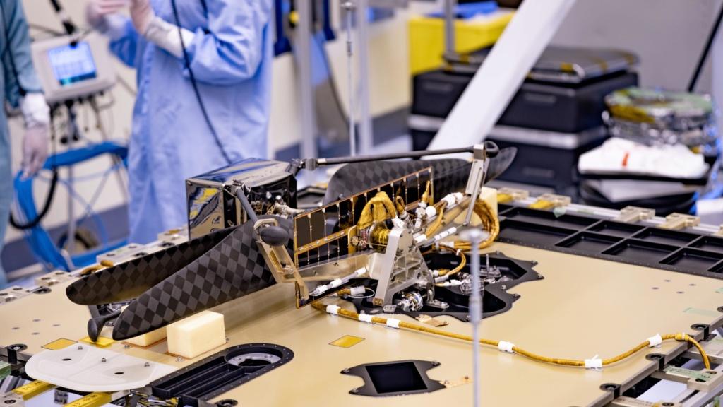 Le Rover Persévérance et son hélicoptère. Mars-h10