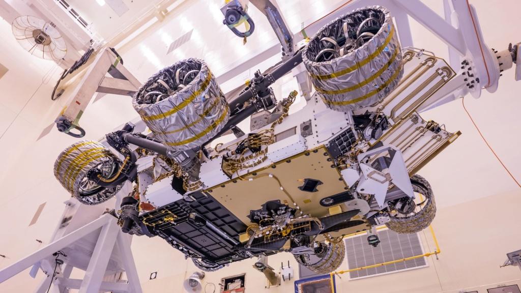 Le Rover Persévérance et son hélicoptère. Rover-10