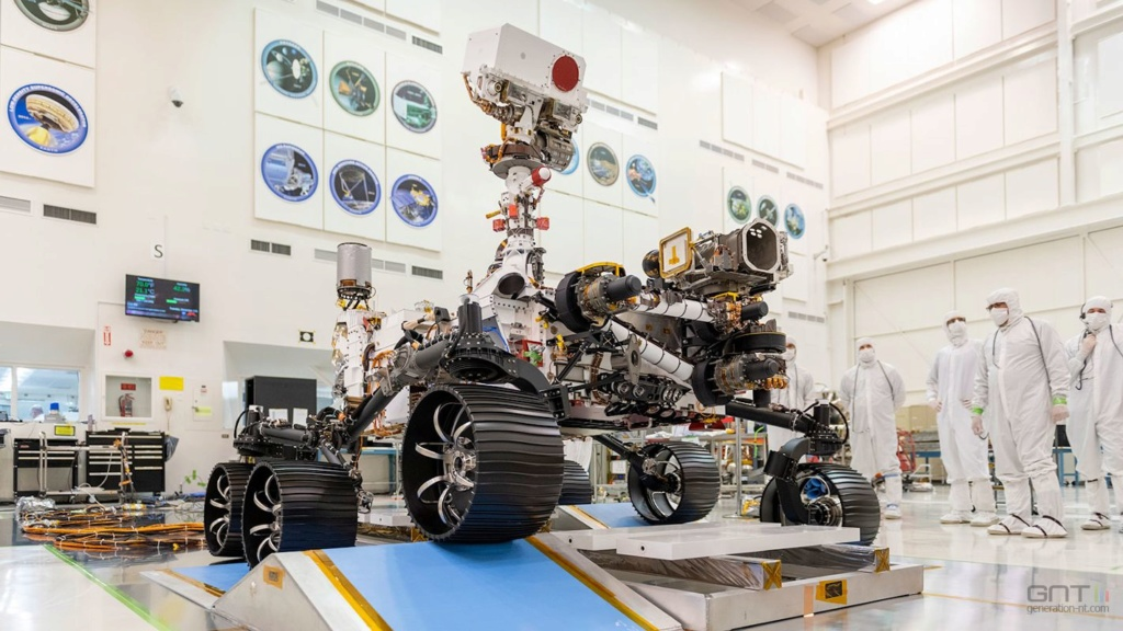 Le Rover Persévérance et son hélicoptère. Rover10