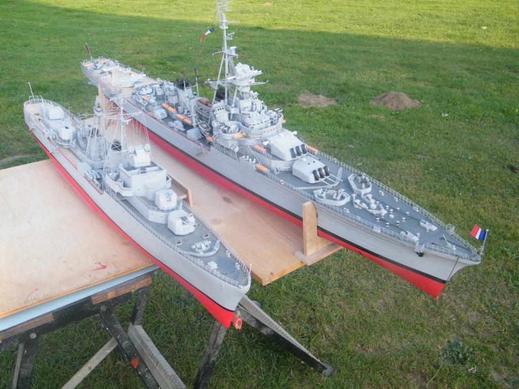 Croiseur Georges LEYGUES  au 1/100 sur plan Dscf0619