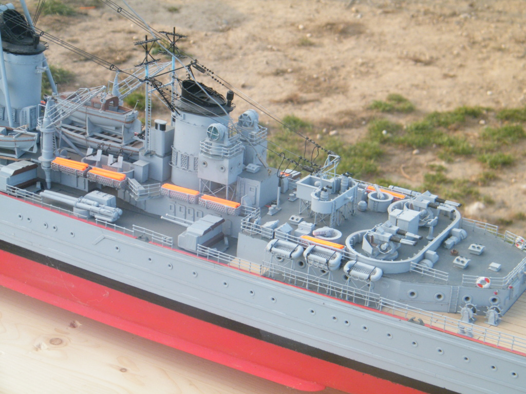 Croiseur Georges LEYGUES  au 1/100 sur plan Dscf0623
