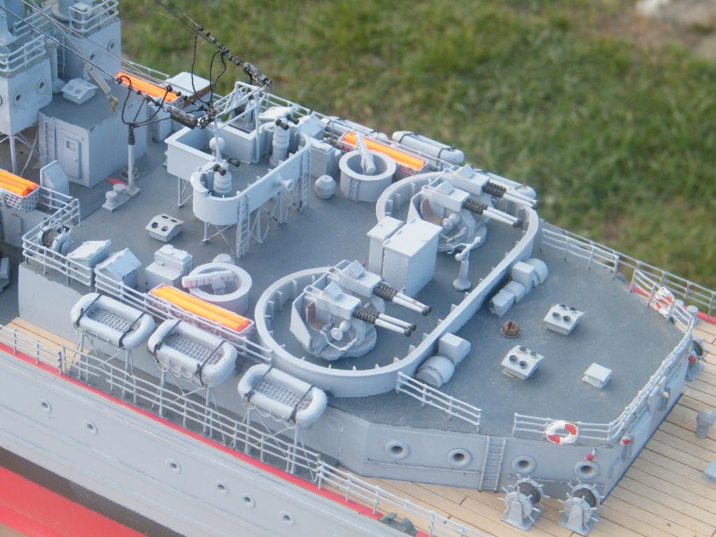 Croiseur Georges LEYGUES  au 1/100 sur plan Dscf0641