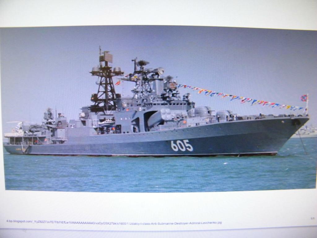 DESTROYER RUSSE ADMIRAL LEVCHENKO en Scratch au 1/100 Dscf3011