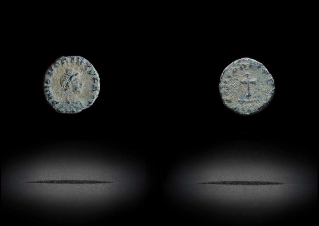 ID Honorius - Alexandrie RIC. 121 Ae4_ho10