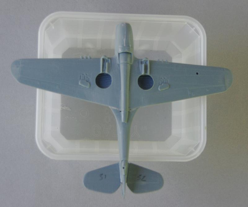 [Airfix] P-40 Tomahawk et [Sword] P-40 Kittyhawk - Page 2 18_p4010