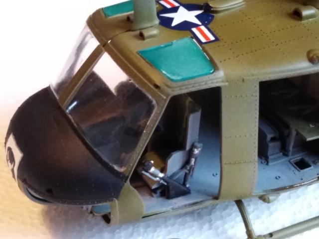 UH-1B Iroquois , Séminar 1/35  3813