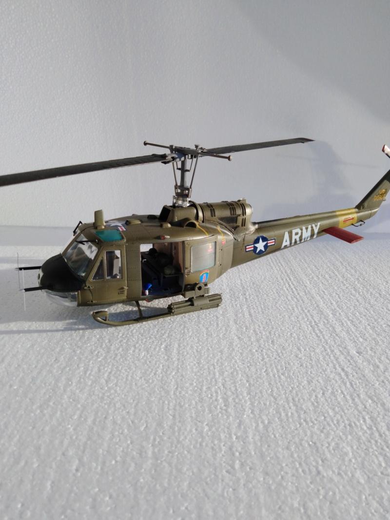 UH-1B Iroquois , Séminar 1/35  5011