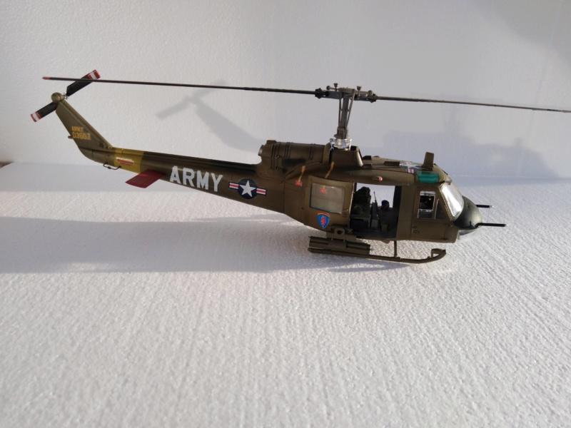UH-1B Iroquois , Séminar 1/35  5210
