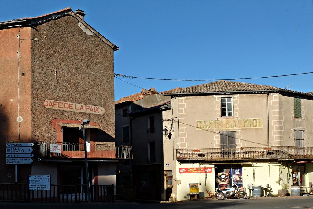 le village d'à coté - Page 17 Dscf0614