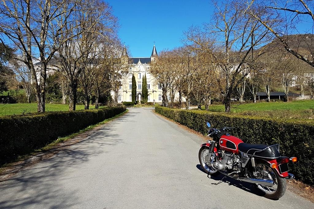 Photos de vous et de votre moto devant ....un château  - Page 18 R75_5_10