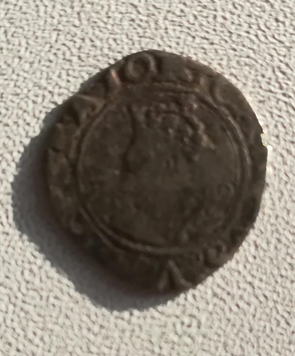 Demande d'identification monnaie féodale Img_2013