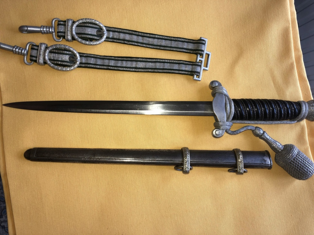 Pouvez vous m'en dire plus sur cette dague svp Image210