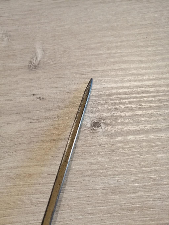 Ancienne petite épée à identifier svp Img_2751