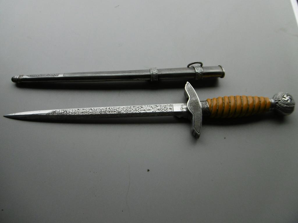 Dague lw lame gravée  P1010213