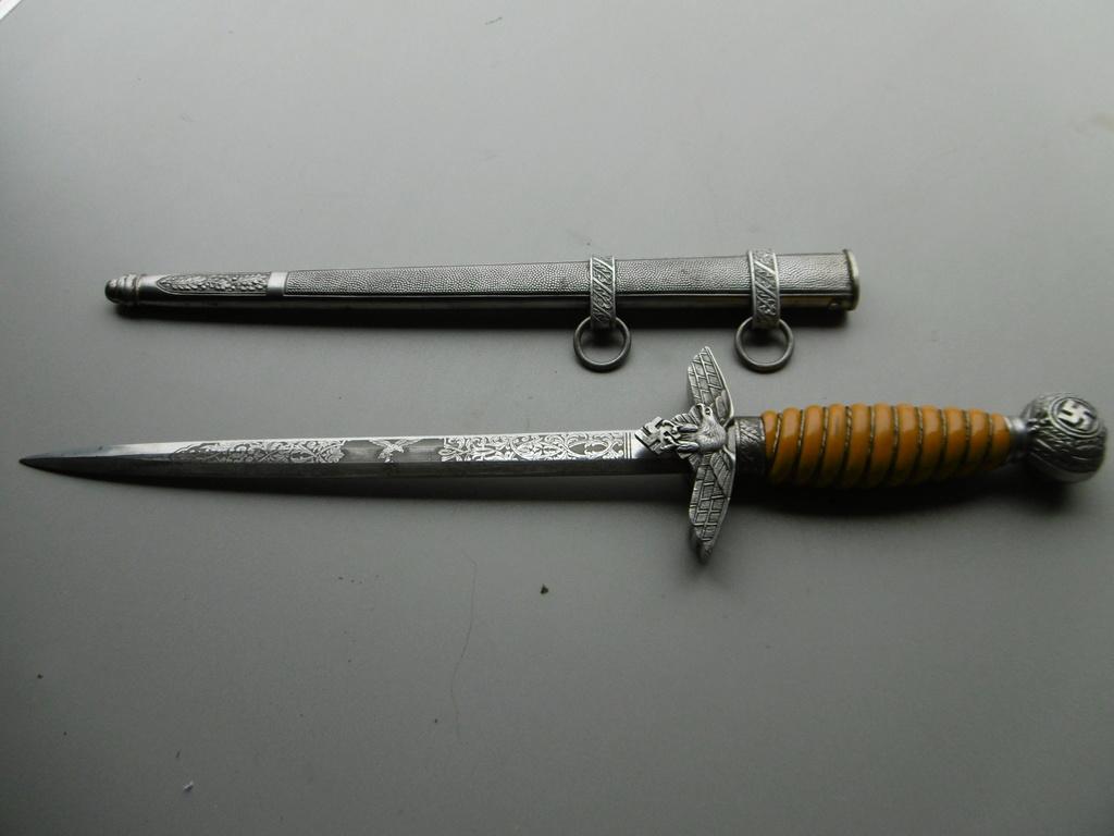 Dague lw lame gravée  P1010214
