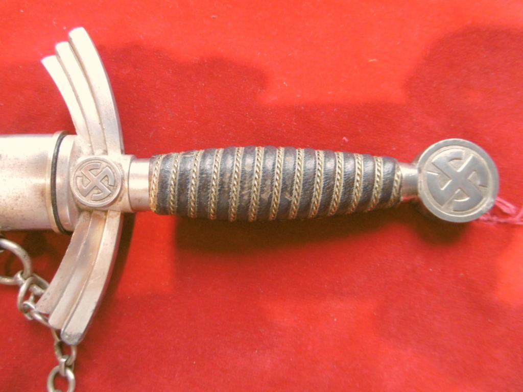 Authentication /estimation dague lufwaffe premier modèle  P1030410