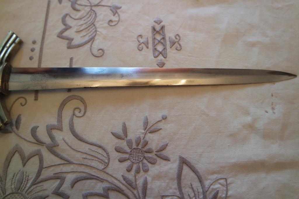 Dague lw 1er type ou dlv ?  Sam_0918
