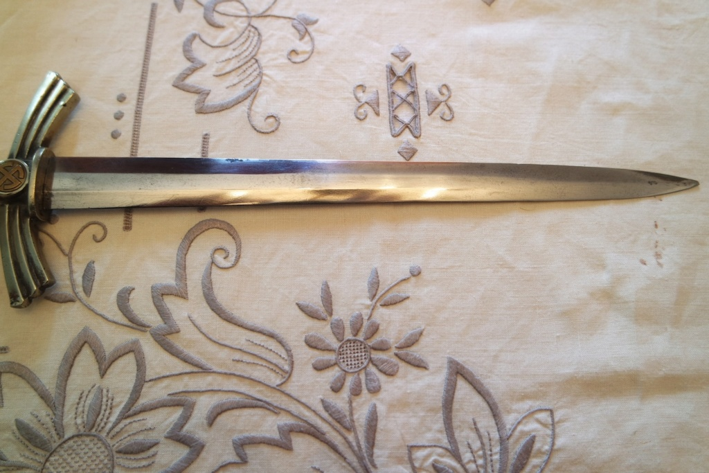 Dague lw 1er type ou dlv ?  Sam_0919