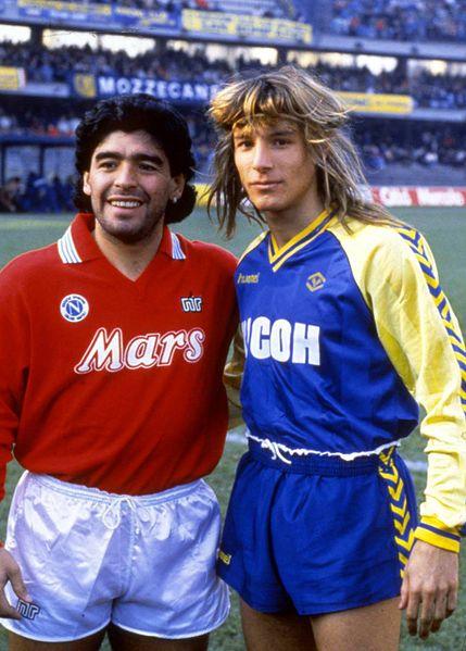 ¿Cuánto mide Diego Armando Maradona? - Altura - Real height 00-27-10