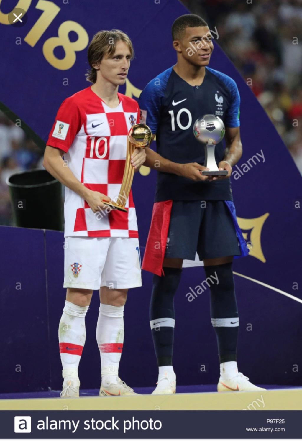 ¿Cuánto mide Kylian Mbappé? - Real height Img_2300