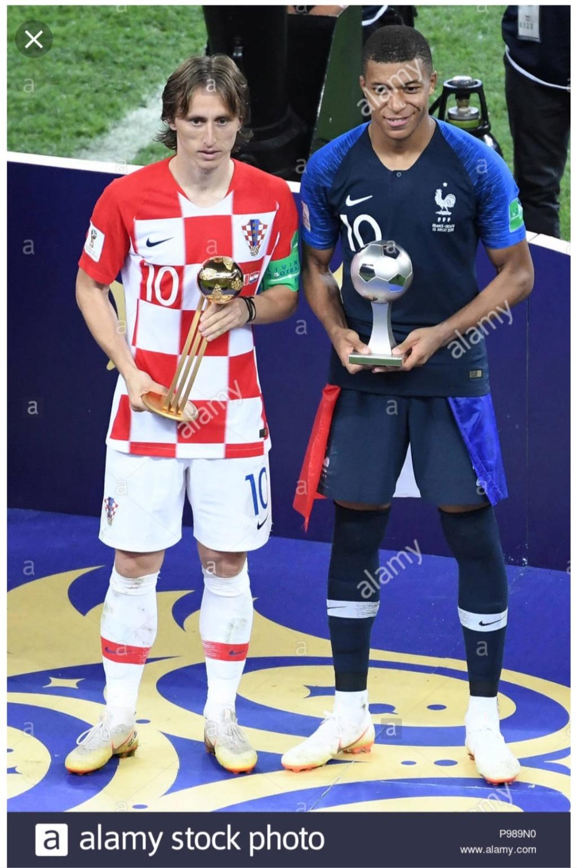 ¿Cuánto mide Kylian Mbappé? - Real height Img_2302