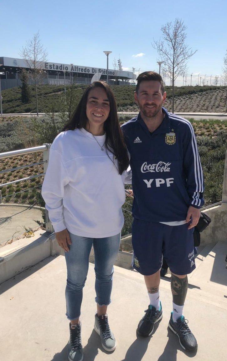 ¿Cuánto mide Lionel Messi? - Estatura y peso - Real height - Página 4 Img_2324