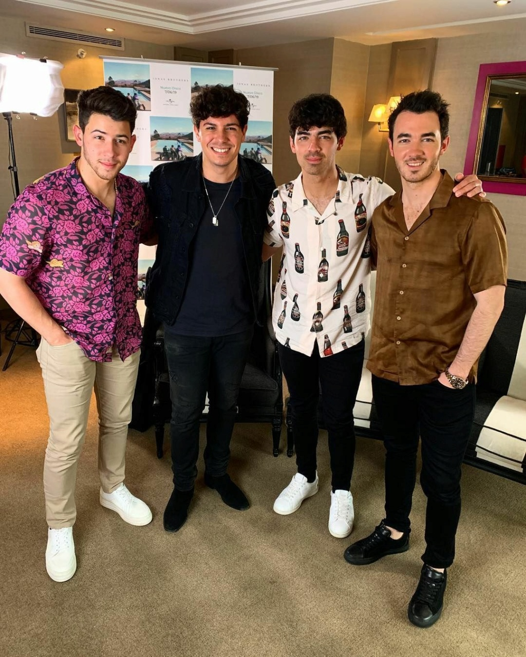 ¿Cuánto mide Nick Jonas? - Altura - Real height Save_124